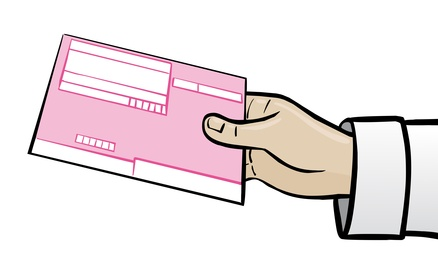 Hand eines Arztes mit rosafarbenem Rezept / Kassenrezept